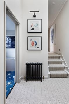 This London townhouse clearly shows why English style in interior design is really timeless. The living room is dominated by elegant classical forms, but ✌Pufikhomes - source of home inspiration Victorian Terrace Hallway, Black Radiators, Tiled Hallway, London Townhouse, Hallway Designs, Terrace Design, Home Bedroom, Bedrooms, Victorian Homes