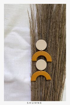 Handmade Arch Polymer Clay Stud Earrings / Ocher and Beige Woman Fashion, Boho Fashion, Fashion Jewelry, Pin Pin, Boho Rings, Polymer Clay Earrings, Soft Fabrics, Earrings Handmade, New Baby Products