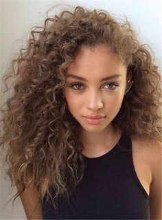 33 Ideas hair styles femme metisse for 2019 Medium Hair Styles, Curly Hair Styles, Natural Hair Styles, Hair Medium, Medium Curly, Medium Blonde, Medium Brown, Pelo Natural, Natural Curls