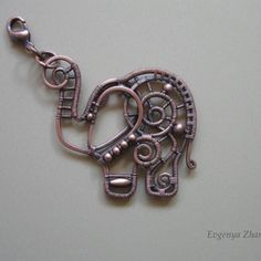 Elephant Charm/Pendant by Appelsinium on Etsy. How squee is this? (excellent wire work too) Wire Crafts, Jewelry Crafts, Jewelry Art, Jewelry Design, Jewellery, Wire Necklace, Wire Wrapped Necklace, Wire Bracelets, Wire Rings