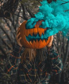 autumn-n-ny:Smoke bomb pumpkins 🎃Happy Halloween Witches! Halloween Fotos, Halloween Tags, Fall Halloween, Halloween Decorations, Halloween Witches, Halloween Halloween, Halloween Costumes, Halloween Fabric, Vintage Halloween