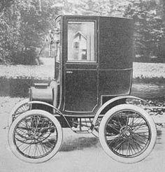 1899-renault-coupe.JPG (23880 bytes)