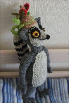 Crochetted King Julien from Madagascar animation- Madagaskar elokuvan ihka ihana kunkku Julien nyt virkattu :) Madagascar Movie, Animation Character, Amigurumi Toys, Dreamworks, Knitting Projects, Crochet Toys, Doll Clothes, Crochet Patterns, Cross Stitch