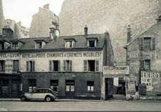 L'Hôtel de Lyon, l'Hôtel des Perchamps, dans la rue Pierre-Guérin, vers 1930, aujourd'hui disparus...  (Paris 16ème)