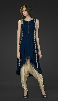 Simple yet stylish neck designs for kurtis - ArtsyCraftsyDad Salwar Designs, Kurti Neck Designs, Pakistani Dresses, Indian Dresses, Indian Outfits, Abaya Fashion, Indian Fashion, Fashion Outfits, Abaya Mode