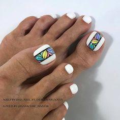 What is a beautiful pedicure? the best design ideas for marigo Pretty Toe Nails, Cute Toe Nails, Glam Nails, Love Nails, Beauty Nails, Beach Toe Nails, Diy Nails, Pedicure Designs, Pedicure Nail Art