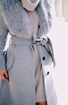 Ways To Stay Warm And Stylish This Season - - 69 Pretty Winter Outfits To Try This Year Winter Chic, Winter Wear, Autumn Winter Fashion, Winter Style, Grey Fashion, Look Fashion, Fashion Outfits, Fashion Ideas, Mode Style