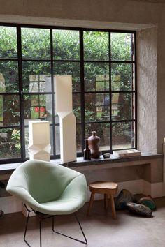 scandinaviancollectors: HARRY BERTOIA, Diamond chair, Interior from Bea´s B&B in Belgium. / Design to Inspire House Windows, Windows And Doors, Turbulence Deco, Interior Design Inspiration, Daily Inspiration, Design Ideas, Design Blogs, Art Design, Contemporary Interior