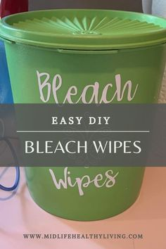 Actually contains bleach! Making these DIY Bleach Wipes is quick and easy. You only need a few ingredients for homemade Clorox wipes. This is a great recipe to have on hand so you have wipes for cleaning even when the stores are sold out! Homemade Disinfecting Wipes, Homemade Cleaning Wipes, Homemade Cleaning Supplies, Diy Home Cleaning, Cleaners Homemade, House Cleaning Tips, Diy Cleaners, Disinfectant Spray, Homemade Products