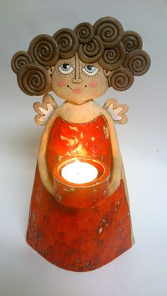 Candle holding angel click the link now for more info. Hand Built Pottery, Slab Pottery, Ceramic Pottery, Ceramic Art, Ceramics Projects, Clay Projects, Clay Crafts, Paper Clay, Clay Art