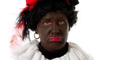 De discussie rond Zwarte Piet is dit jaar misschien niet zo heftig maar toch ontkomen we er niet aan. Het grappige is dat er in ons taalgebruik drie spreekwoorden zijn rond Zwarte Piet die in feite ook het hele proces rond deze discussie illustreren: 'De zwarte piet doorspelen' wil zoveel zeggen als: naar wie kunnen…