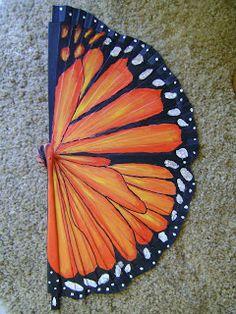 Hand painted fan - just like a monarch butterfly! Antique Fans, Vintage Fans, Painted Fan, Hand Painted, Hand Held Fan, Hand Fans, Butterflies In My Stomach, Umbrellas Parasols, Paper Fans