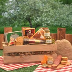 Gourmet Gift Classic the Gift Basket Associates Signature Sausage  Cheese $36.10