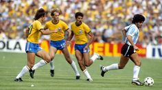 Brazil 3 Argentina 1 in 1982 at Sarria Stadium, Barcelona. Diego Maradona has 3 Brazilians tracking him in Round Group C at the World Cup Finals. 1982 World Cup, Brazil World Cup, Soccer World, World Football, Football Players, Ronaldo, Argentina South America, Zico, Legends Football
