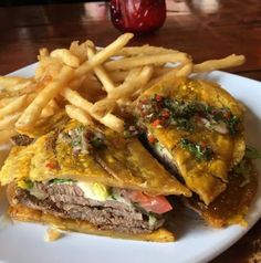 18 Traditional Dishes Prove That Puerto Rico Has The Best Food Jibarito — Chicago Puerto Rican Dishes, Puerto Rican Cuisine, Puerto Rican Recipes, Mexican Food Recipes, Ethnic Recipes, Carne Frita Puerto Rico Recipe, Dominican Food Recipes, Comida Boricua, Boricua Recipes