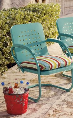 Retro Squares Spring Chair.