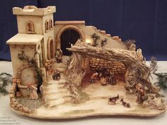 Haga clic para cerrar Nativity House, Nativity Stable, Diy Nativity, Christmas Nativity Scene, Christmas Villages, Christmas Cave, Christmas Crib Ideas, Simple Christmas, Christmas Crafts