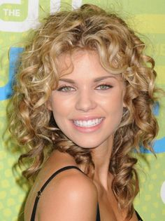 Women Trend Hair Styles for 2013: Curly Medium Hairstyles 2013