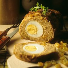 """Lamb roulade or """"drob de miel"""" is a traditional Easter food for Romanians. Or, if you prefer not to eat meat, you can use red lentils for this delicious recipe. Easter Lunch, Easter Food, Easter Traditions, Eat Smarter, Easter Recipes, Meatloaf, Lentils, Happy Easter, Lamb"""