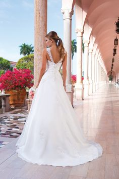 The Sincerity Bridal collection is designed for the charismatic and classic bride who wants the perfect princess dress fit for a fairytale wedding. Panina Wedding Dresses, New Wedding Dresses, Cheap Wedding Dress, Vintage Dresses Online, Bridal Dresses Online, Bridal Gowns, A Line Wedding Dress Sweetheart, Wedding Gown Gallery, Unusual Dresses