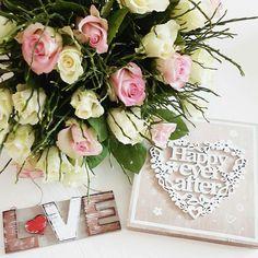 Floral Wreath, Sweet Home, Wreaths, Table Decorations, Home Decor, Homemade Home Decor, House Beautiful, Door Wreaths, Deco Mesh Wreaths