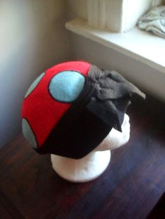 I have SO found my NEW Hat.  In love with this... :-)   mushroom hat by Liquidshiva on Etsy, $36.00. WANT!!!!