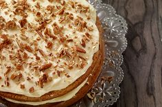 This butter pecan cake gets its great pecan flavor from pecans toasted in butter. The cake and frosting are full of chopped toasted pecans. Cakes To Make, Desserts To Make, How To Make Cake, Classic Carrot Cake Recipe, Jam Cake Recipe, Best Carrot Cake, Best Christmas Desserts, Thanksgiving Desserts, Christmas Cakes