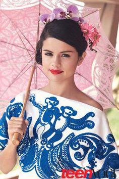 Selena on the paparazzi...