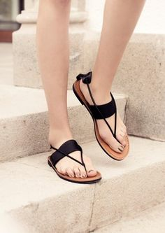 stories : FLAT LEATHER SANDALS