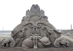 Was einige Künstler alleinig aus Sand und Wasser zu fabrizieren im Stande sind, haben wir an dieser Stelle schon mehrfach präsentiert.