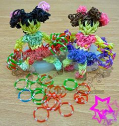 Churras y Merinas Manualidades: Cheerleader o animadora de gomitas con telar Rainbow loom