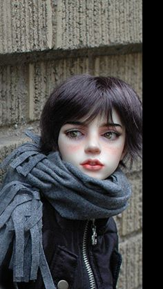repinned from Allison Collingwood. Dollstown Rian @TheKatyok dectale what an intriguing doll!