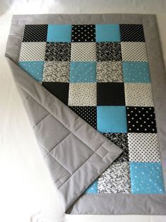 PATCHWORK blanket – black & white with cyan / Seller's goods Lenka Kučerová - Nahen Ideen Quilt Baby, Baby Patchwork Quilt, Plaid Quilt, Applique Quilts, Quilting Projects, Quilting Designs, Sewing Projects, Quilt Block Patterns, Quilt Blocks