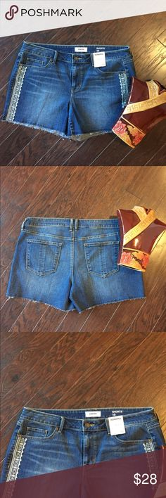 SONOMA Embroidered Detailed Cut Off Jeans Shorts For a cute and casual look, pair these women's SONOMA Goods for Life embroidered jean shorts with your favorite peasant top or blouse. In medium blue wash.  PRODUCT FEATURES •Embroidered details •Cutoff hem •5-pocket •Stretchy denim construction FIT & SIZING •3 1/2-in. inseam •Midrise sits above the hip •Zipper fly FABRIC & CARE •Cotton, polyester, spandex •Machine wash •Imported Sonoma Shorts Jean Shorts