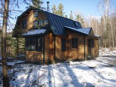 Little Vermont Cabin: 850 Sq Ft in the Mountains | Tiny House Pins