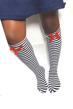 Create photo-worthy outfits with these stylish Black and White Striped Knee Socks for your baby girls. Super soft and comfy socks that are available in OSFM Girls Christmas Outfits, Christmas Fashion, Holiday Outfits, Little Girl Outfits, Little Girl Fashion, Cute Outfits, Skirt Outfits, Toddler Girl Shoes, Toddler Outfits