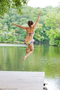 For all of us emerging into 2017 from our cocoon of indoorsy warmth over Christmas, this story of how an ordinary person conquers her fear of swimming long-distance in    ᘡℓvᘠ □☆□ ❉ღϠ □☆□ ₡ღ✻↞❁✦彡●⊱❊⊰✦❁ ڿڰۣ❁ ℓα-ℓα-ℓα вσηηє νιє ♡༺✿༻♡·✳︎· ❀‿ ❀ ·✳︎· FR DEC 20, 2017 ✨ gυяυ ✤ॐ ✧⚜✧ ❦♥⭐ ♢∘❃ ♦♡❊ нανє α ηι¢є ∂αу ❊ღ༺✿༻✨♥♫ ~*~ ♆❤ ♪♕✫❁✦⊱❊⊰●彡✦❁↠ ஜℓvஜ freezing, wild water should be read by all who suffer life-fright (File photo)