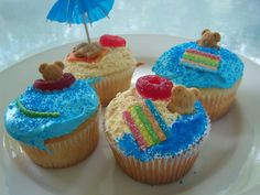 Beach Party Cupcakes AND 100th Blog Post | Telly's Tasty Tidbits - We love these adorable cupcakes!  They would be perfect for your next birthday celebration at a Galveston, TX #sandnseavacation
