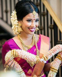 "22 Likes, 2 Comments - Belleinspirations (@hindu_wedding_belle) on Instagram: ""#tamilbride #hinduweddings #traditional #inspration #photography #hindubride #jewellery #flowers…"""