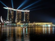 TOP 10 PLACES TO VISIT IN SINGAPORE  - brabbu http://brabbu.com/blog/2014/03/top-10-places-to-visit-in-singapore/