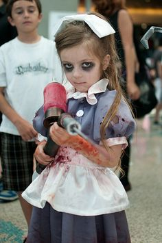 Little Sister costume - love this girl's parents.... great costume!