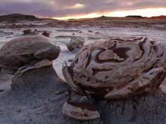 Nature Blows My Mind! The alien planet of Bisti Wilderness, New Mexico [Photos]