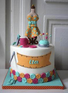 Dressmaker Taylor Dummy Sewer Cake Sewing Machine Cake, Sewing Cake, Fondant Cakes, Cupcake Cakes, Birthday Cake For Women Simple, Bithday Cake, Mom Cake, Specialty Cakes, Novelty Cakes
