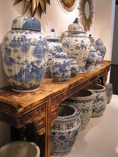 ♥ ~ ♥ Blue and White ♥ ~ ♥ Temple Jars, Wedding Jars, Ginger Jars and Fish Bowls. A Wonderful Asian Alter Table Delft, Blue And White China, Blue China, Porcelain Vase, White Porcelain, Japanese Porcelain, Cold Porcelain, Wedding Jars, Driven By Decor