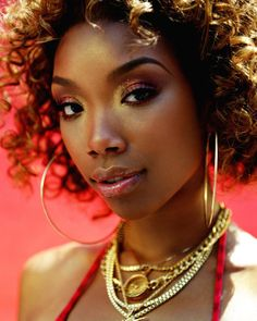 capricornqueen80:  This makeup on Brandy is everything.
