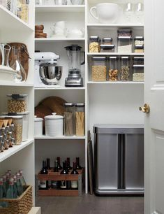 38 Modern Pantry Deisgn Ideas For Small Kitchen The average homeowner will probably try harder to keep the pantry clean and tidy more than any other room, The … Home Design, Bar Design, Design Logo, Pantry Design, Kitchen Organization Pantry, Home Office Organization, Pantry Ideas, Organization Ideas, Organized Kitchen