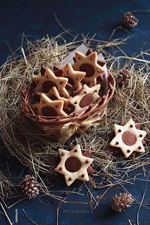 Wiem co jem: Gwiazdki kakaowo-waniliowe z gianduią Waffles, Sweets, Cookies, Breakfast, Desserts, Aga, Food, Sweet Pastries, Biscuits
