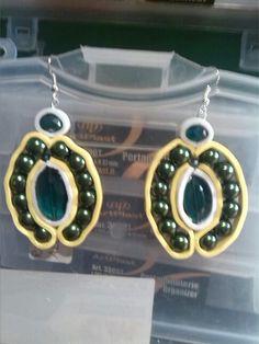 Soutache orecchini con gomma crepla ,cristalli e perle.anvhe queste idee sono frutto del mio ingegno