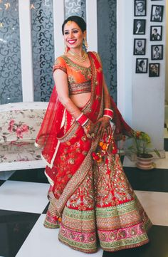 di  @swatsing5 look green orange n red is looking soo beautiful.. Ur lehnga will also look very pretty.. :)