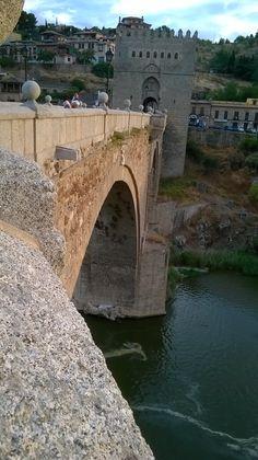 Puente de San Martín. Toledo. Spain.